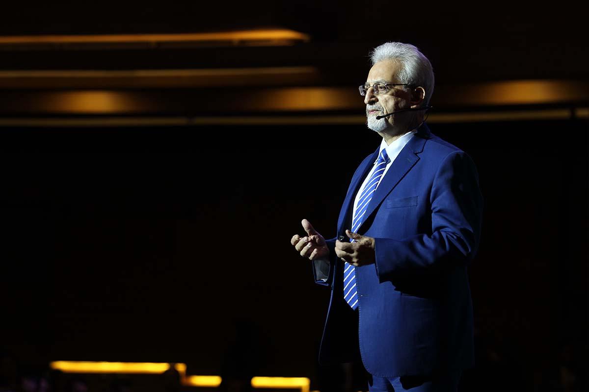 دکتر احمد روستا- سومین گردهمایی مدیران الماسی