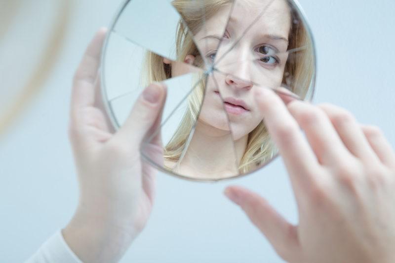 مقاله - چند فرمان برای فرار ازکمرویی - پندانه - تصویر ضعیف از خود