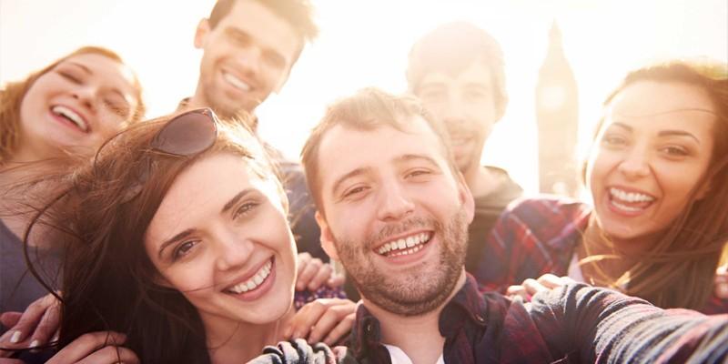 مقاله - چند فرمان برای فرار ازکمرویی - پندانه - تمرکز بر روی دیگران به جای تمرکز بر ناراحتیها و افکار خود و موقعیتهای اجتماعی